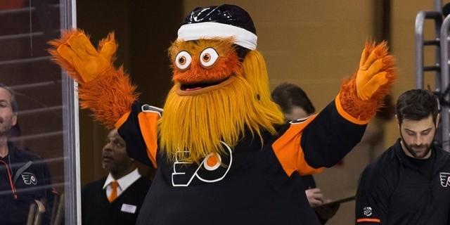FOTO: Maskoti klubů z NHL. Jsou to děsivé zrůdy, nebo milí plyšáci?