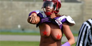 FOTO: Polonahé holky ve spodním prádle. To je Legends Football League